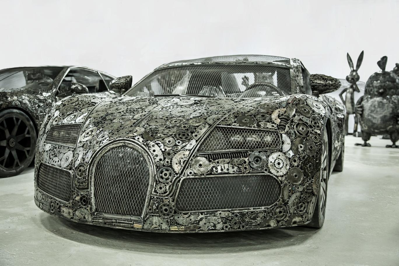 Scrap Bugatti Veyron.